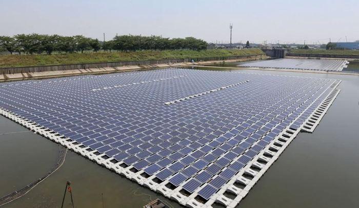Floating Solar Array 02